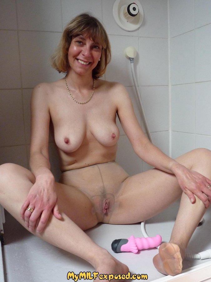 Hot horny lesbian milfs